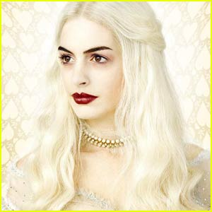 Anne Hathaway is The White Queen -- FIRST PIC!