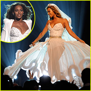 Beyonce's Wedding Dress -- BET Awards Performance Video