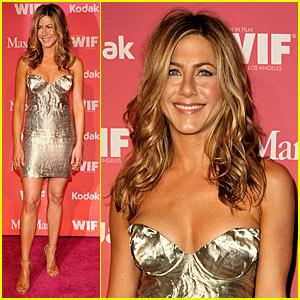 Jennifer Aniston - Crystal & Lucy Awards 2009