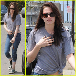 Kristen Stewart is a Knot Knockout