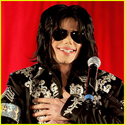 Michael Jackson Suffers Cardiac Arrest