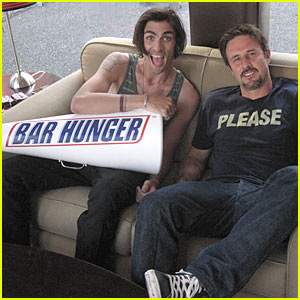 David Arquette & Tyson Ritter: Bar Hunger!