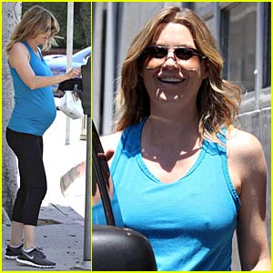 Ellen Pompeo: Le Pain Quotidien Cute