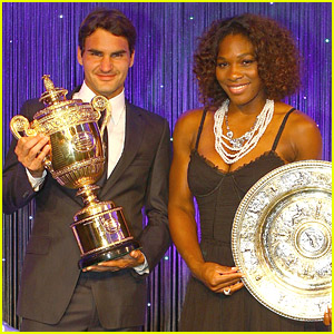 Roger Federer & Serena Williams Take Their Trophies