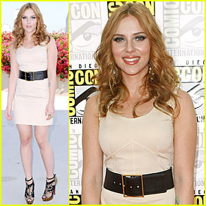 Scarlett Johansson Flaunts Comic-Con Curves