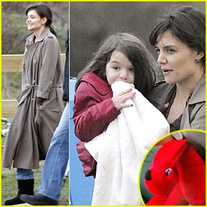 Suri Cruise Loves Clifford The Big Red Dog