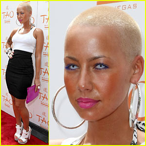 Amber Rose: Colored Contact Lenses!