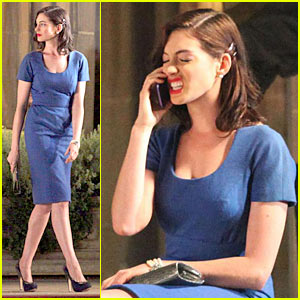 Anne Hathaway Preps For Valentine's Day