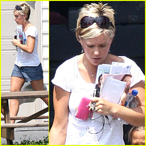 Kate Gosselin Eats Corn On The Cob