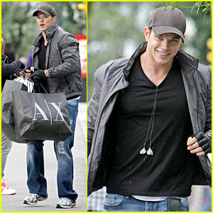 Kellan Lutz: Armani Exchange Super Shopper
