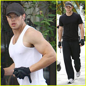 Kellan Lutz Ditches Twilight Convention This Weekend