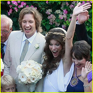Milla Jovovich: Wedding Pictures and Details!