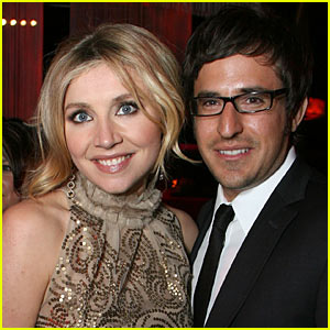 Sarah Chalke: Baby On The Way With Jamie Afifi!