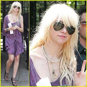 Taylor Momsen: Brooklyn Babe