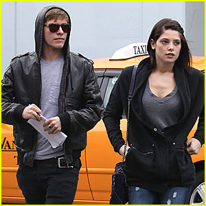 Ashley Greene & Xavier Samuel: Total Eclipse of the Heart!