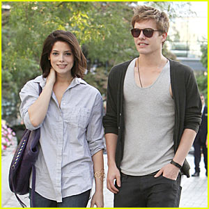Xavier Samuel & Ashley Greene: Friendly Faces