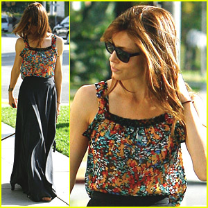 Jessica Biel Walks In The Wind