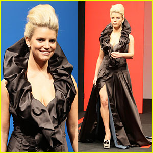 Jessica Simpson: Catwalk Queen