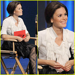 Rachel Bilson: Project Runway's Latest Judge!
