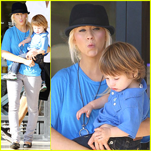 Christina Aguilera is a Busy Busy Mom