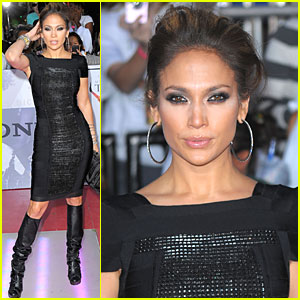 Jennifer Lopez's Boots are Made For Walkin'