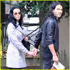 Katy Perry  Russell Brand on Katy Perry   Russell Brand  Holding Hands    Katy Perry  Russell Brand