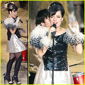 Lily Allen Sings At Chanel Fashion Show