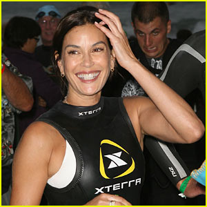 Teri Hatcher: Not Swine Flu's Latest Victim