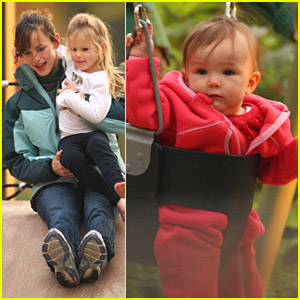Violet & Seraphina Affleck Play In The Park