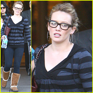 Hilary Duff Goes Thanksgiving Shopping