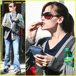Jennifer Garner: Snickers 'N' Sprite!