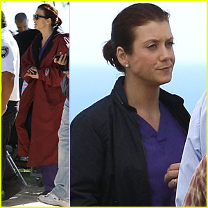Kate Walsh: Texting Between Takes