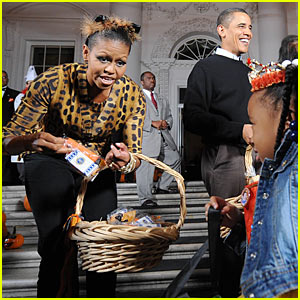 Michelle Obama: Trick-or-Treating at the White House!