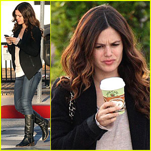 Rachel Bilson Texts Back to Urth