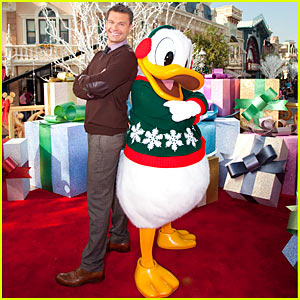 Ryan Seacrest Makes Bank, Talks Bank