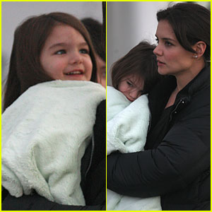 Suri Cruise: Smiling Sweetie!