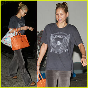 Anna Kournikova: Christmas Eve Groceries!