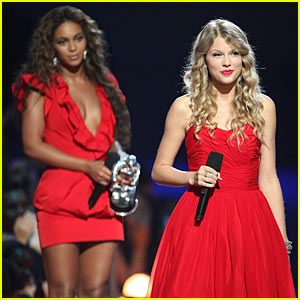 Beyonce & Taylor Swift: Grammy Performers!