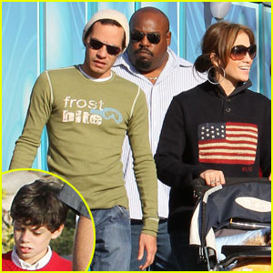 Jennifer Lopez: Christmas Eve at California Adventure