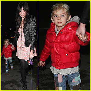 Daisy Lowe & Kingston Rossdale: Dog Walking Duo