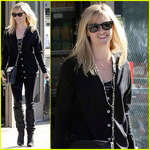 Reese Witherspoon Snacks in All Black
