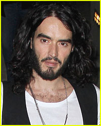 Russell Brand Checks Out Rings at Cartier