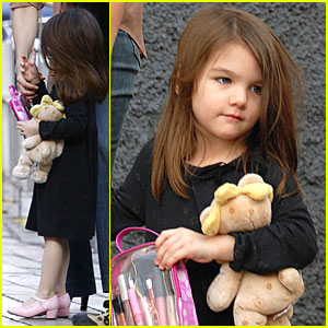 Suri Cruise Has Pretty Pink Heels