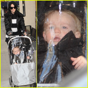 Ashlee Simpson: Wrapped Up And Good To Go!