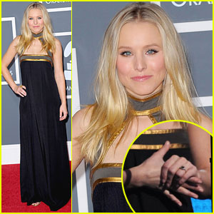 Kristen Bell: Engaged, Flaunts Ring at Grammys