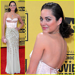 Marion Cotillard - Critics' Choice Awards 2010 Red Carpe