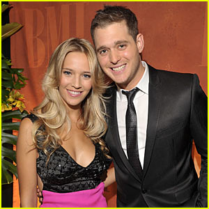 Michael Buble: Engaged to Luisana Lopilato!