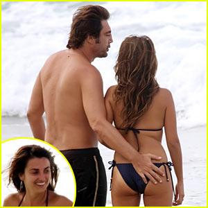 Penelope Cruz & Javier Bardem: Beach Bums