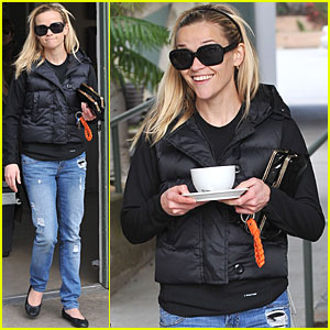 Reese Witherspoon Grabs Coffee with A Gal Pal