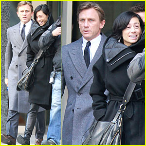 Daniel Craig & Satsuki Mitchell Have a 'Dream House' Day